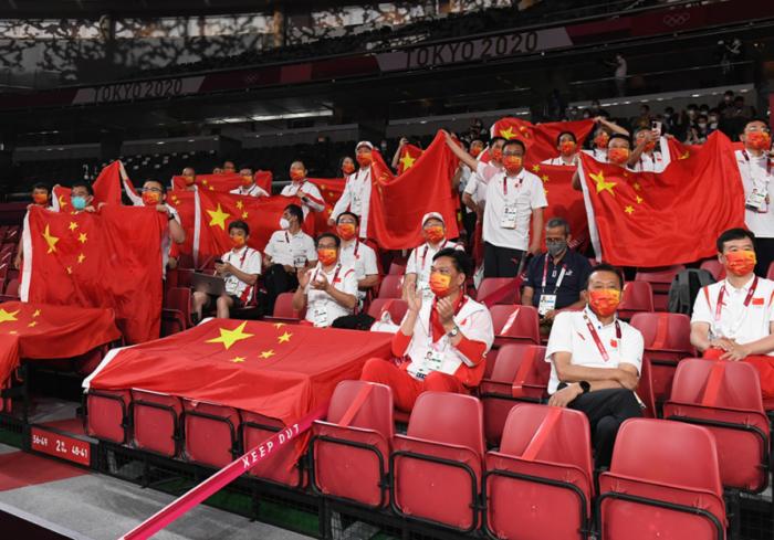卓球混合のうるさい中国応援団は誰?ルール違反?注意されない理由は?