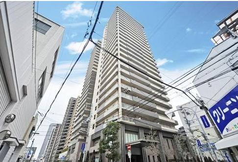 "<span class=""title"">大阪で4歳女児が転落した高層マンションはどこ?事故原因は?</span>"